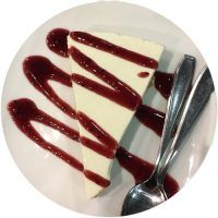 Tarta de queso con arándanos y helado de yogur
